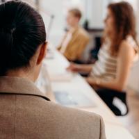 Webinar Mujeres en las profesiones